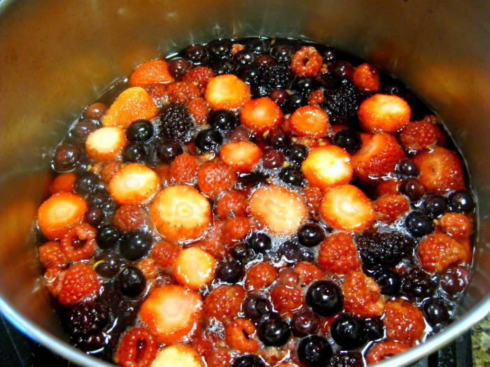 How to make homemade Berry Drink – Kompot