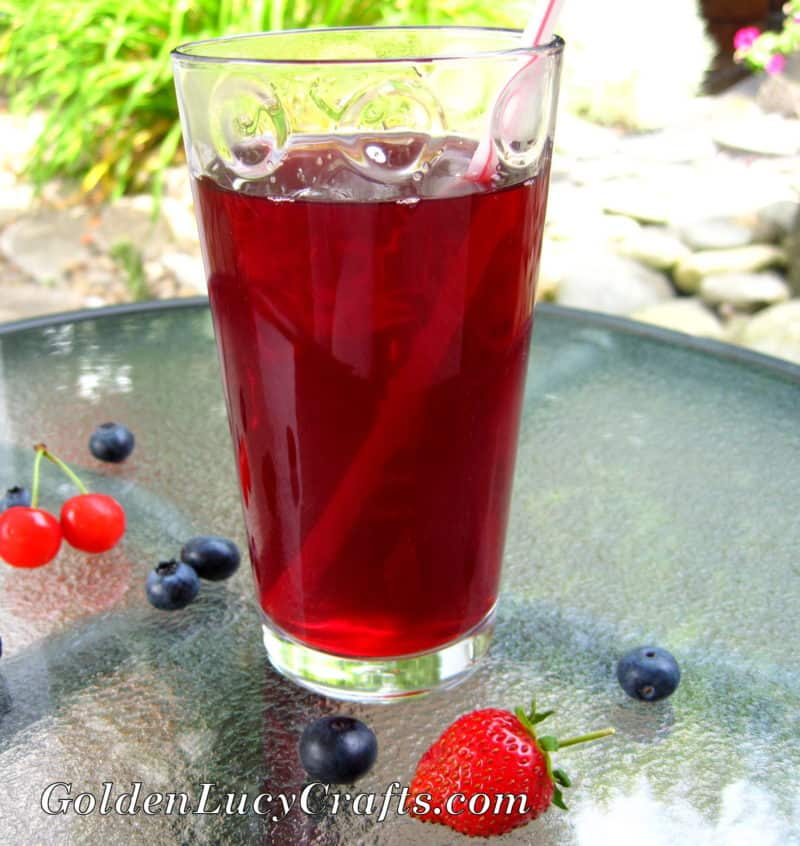 Homemade Berry Drink – Kompot