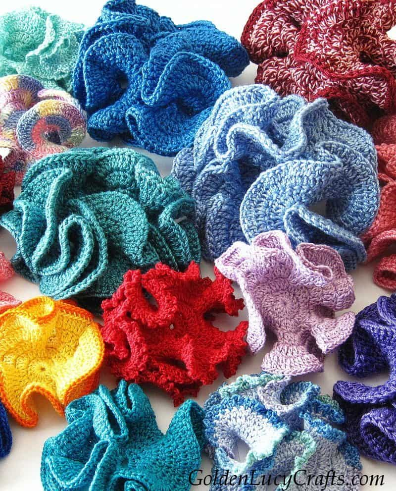 Crochet hyperbolic corals