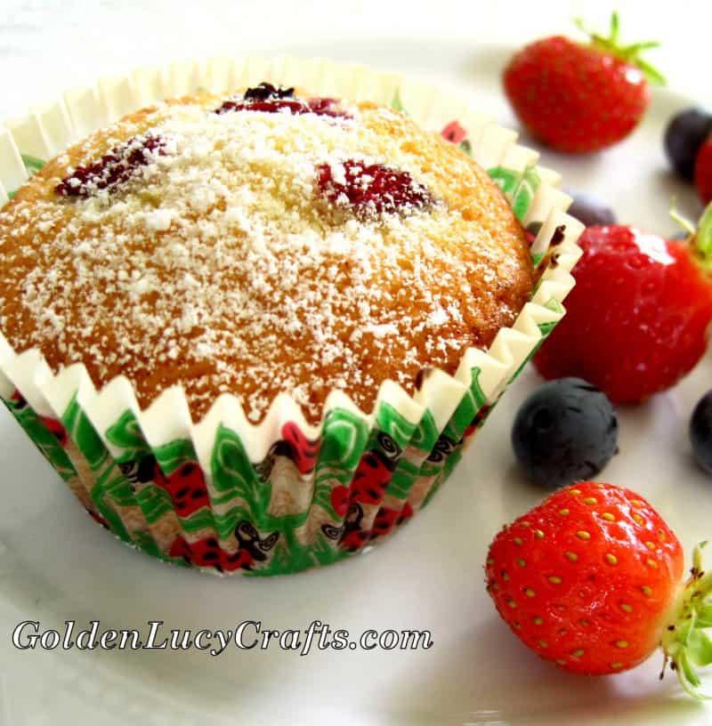 Berry muffins recipe, mixed fresh berries, easy recipe, baking, dessert