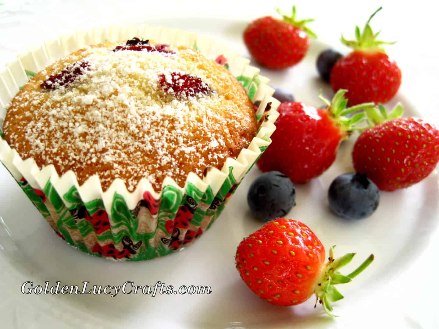Fresh Berry Muffins