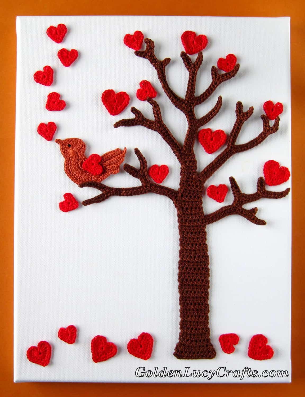 Crochet Wall Art – Valentine's Day Tree