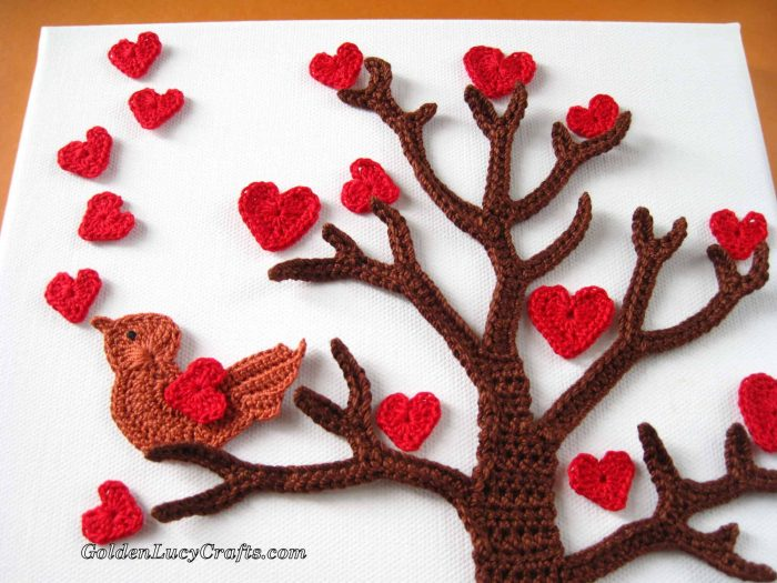 Valentine's Day crochet wall art idea
