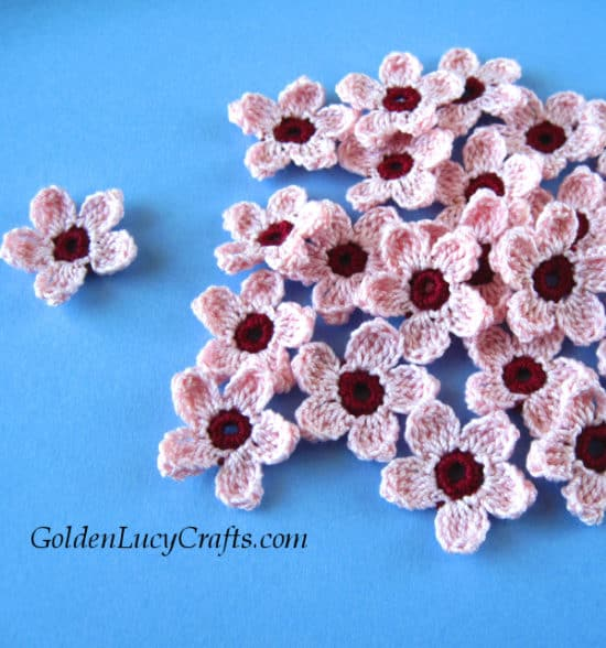 Crochet cherry blossoms, free pattern