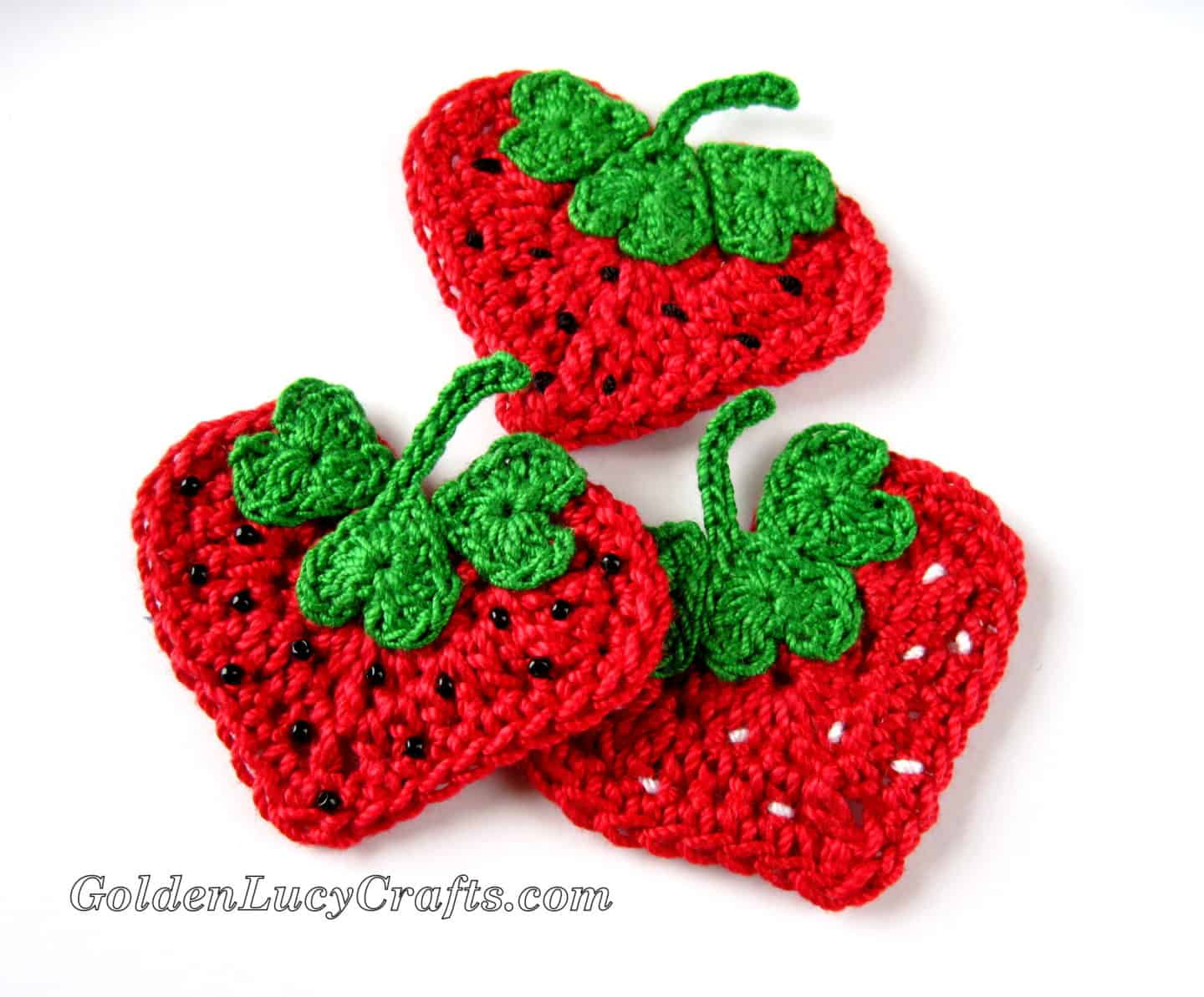 Crochet Strawberry Applique - Free Pattern, Heart Shaped