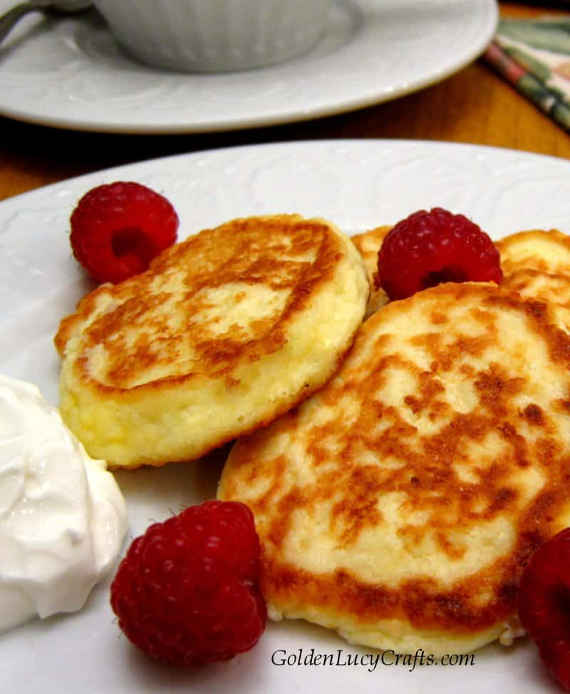 Cheese pancakes, Ukrainian syrniki recipe