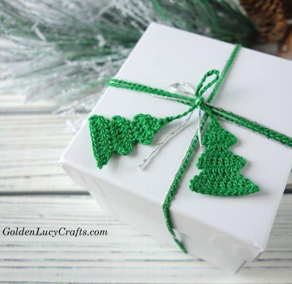 Christmas crochet gift wrapping ribbon