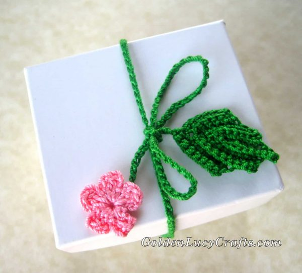 Crochet wrapping ribbons