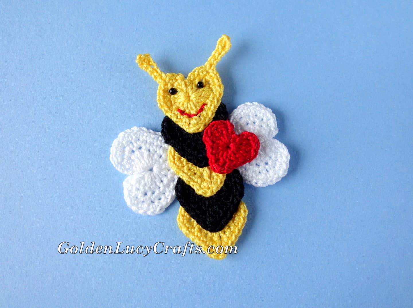 Crochet Bee Applique Valentine's Day Free Pattern