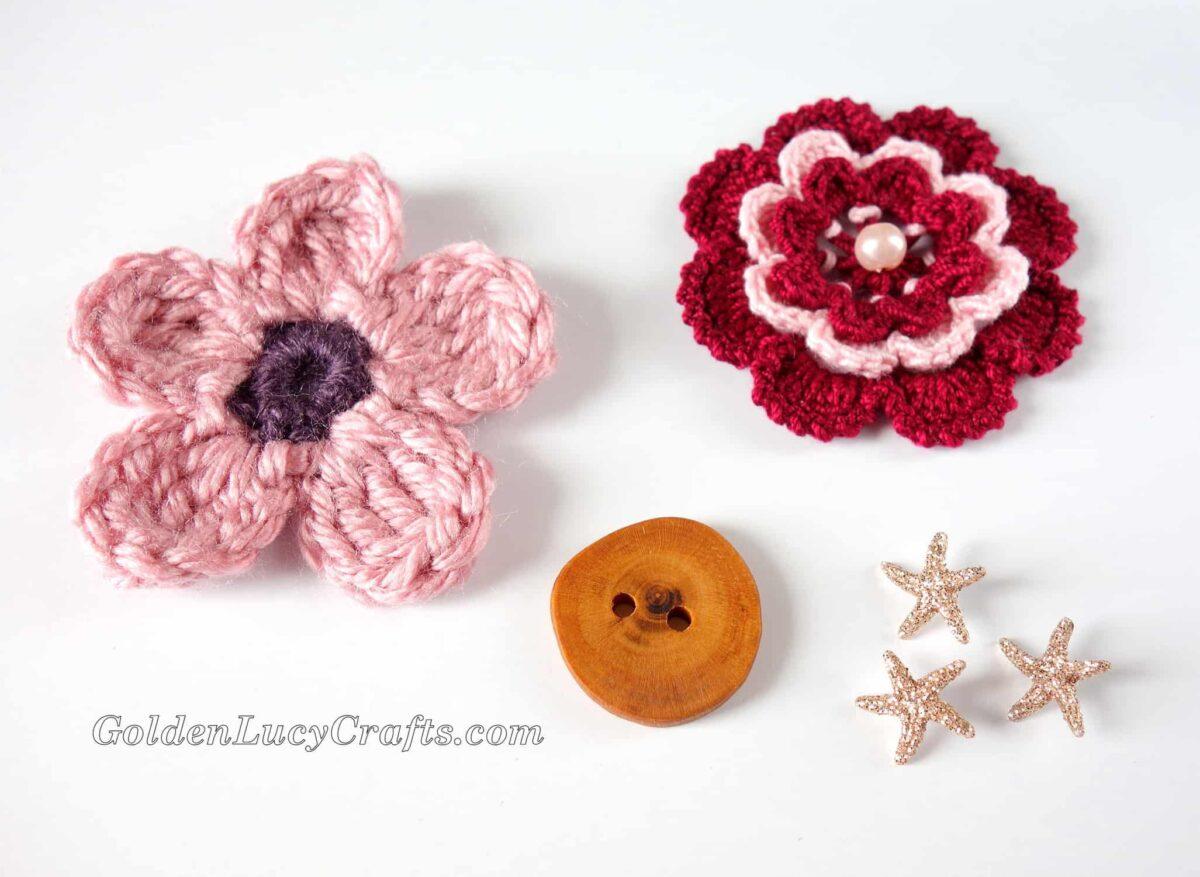 Crochet flowers, wooden button, small star buttons.