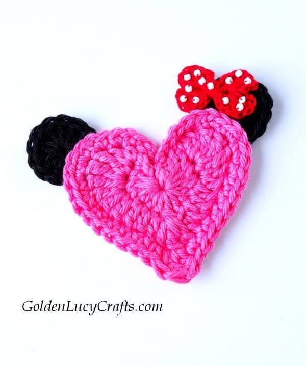 Crochet Minnie applique, free pattern, heart shaped, Valentine's day