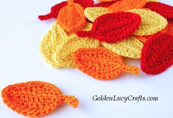 Crochet fall leaf, free crochet pattern