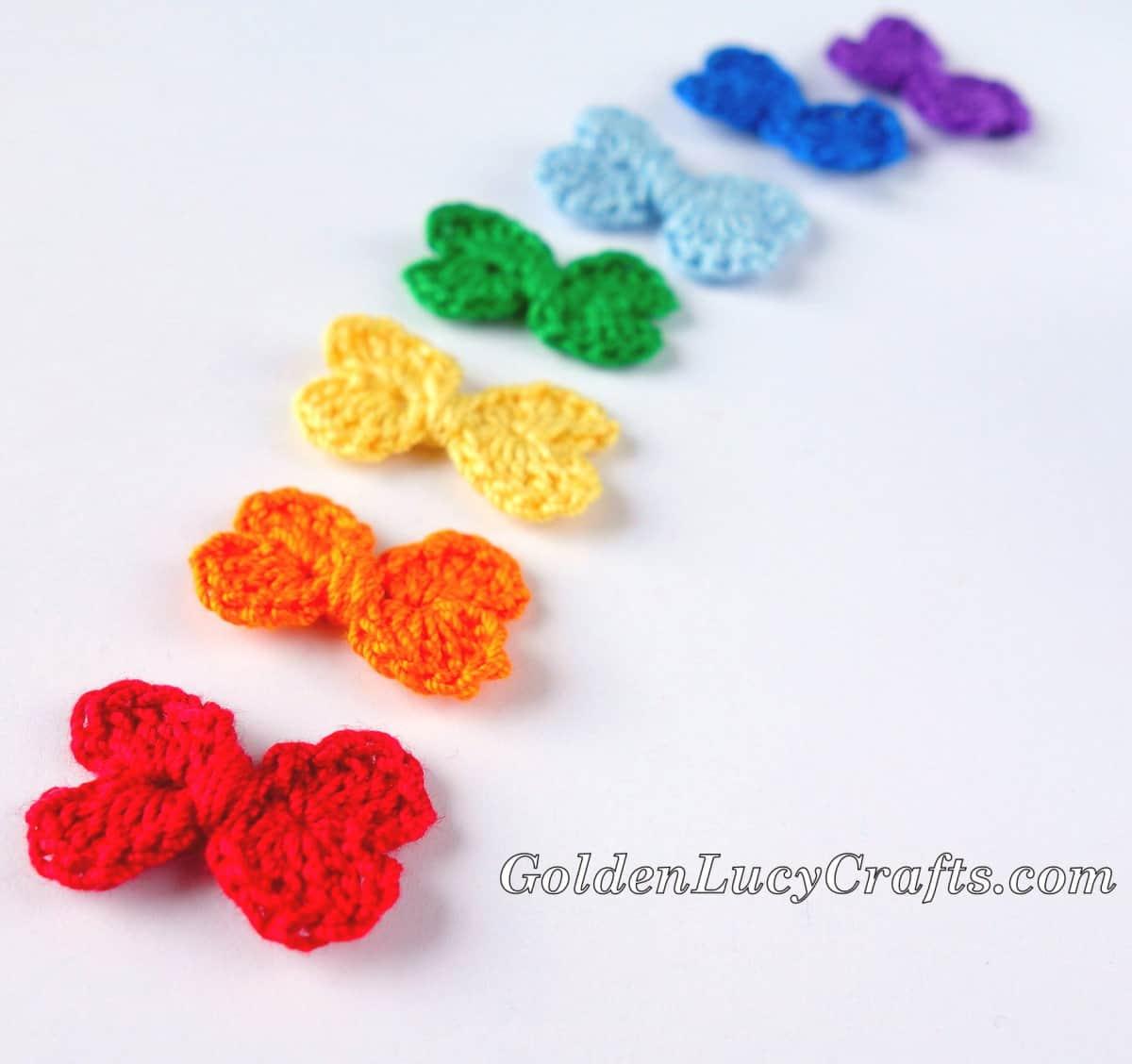 Crochet small bows.
