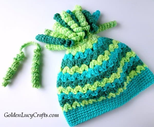 Crochet hat with spirals on the top