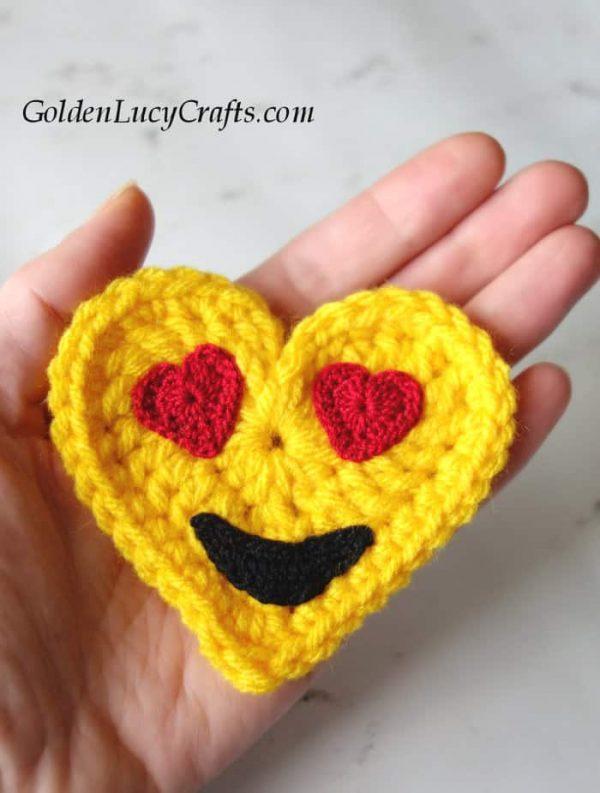 Crochet emoji free crochet pattern