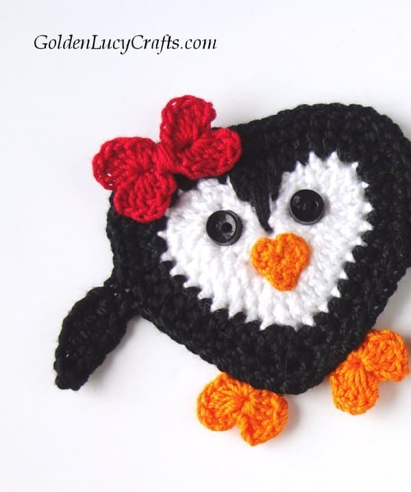Crochet penguin, crochet penguin applique free pattern, crochet heart penguin pattern