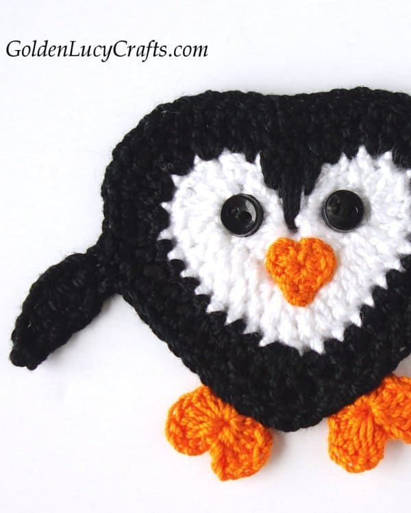 Crochet penguin, crochet penguin applique free pattern, crochet heart penguin