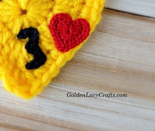 Crochet Emoji - Smoochy Lips