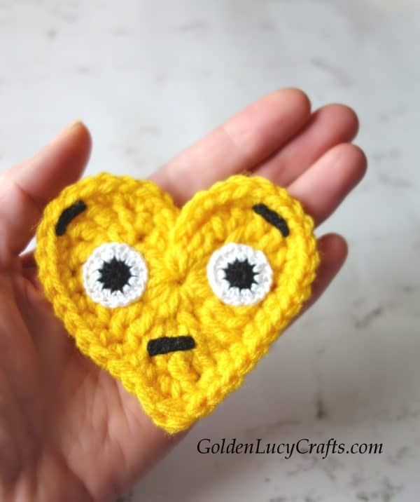 Crochet emoji surprised face