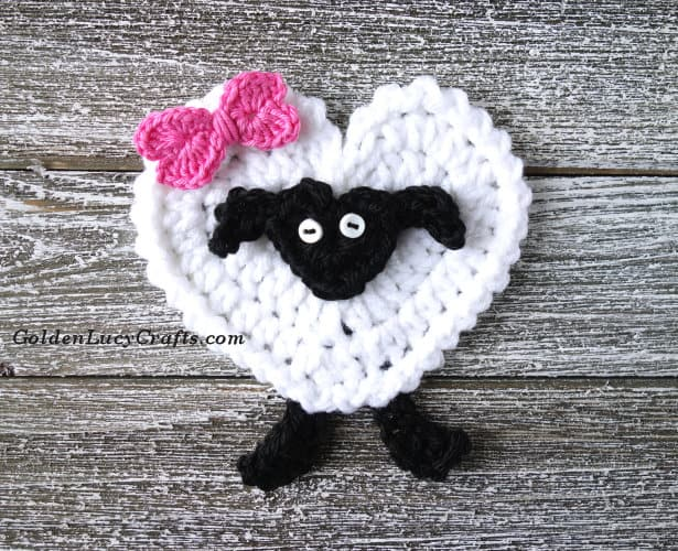 Crochet sheep applique, free crochet pattern