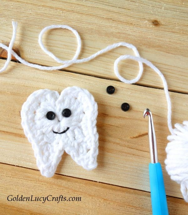 Crochet tooth applique, free pattern, tooth fairy ideas