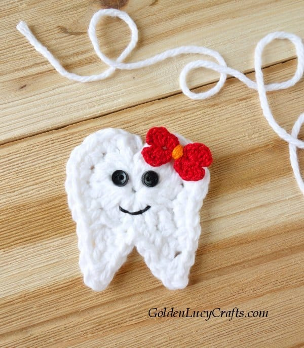 Crochet tooth applique, tooth fairy ideas, free crochet pattern
