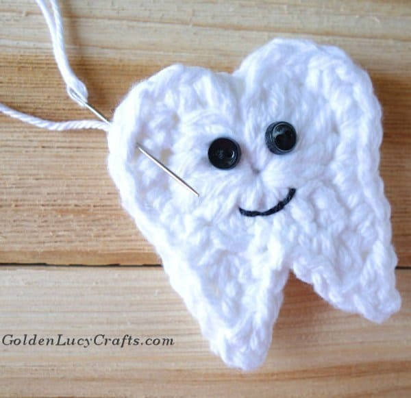Crochet tooth fairy pouch idea