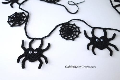 Crochet Spider garland, Halloween garland