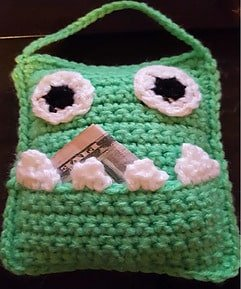Tooth Fairy Crochet Patterns Roundup - monster tooth pouch