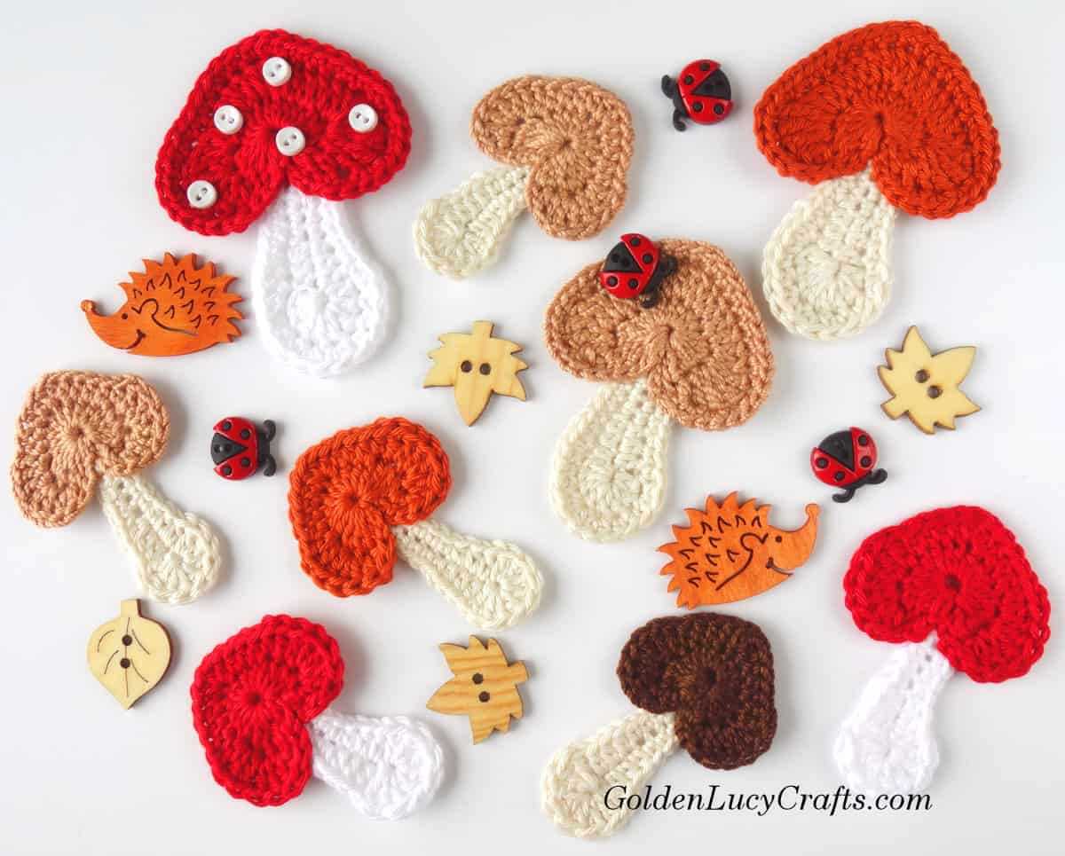 Crochet Mushroom applique, free crochet pattern