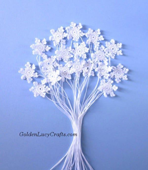 Crochet snowflakes, small snowflakes, free crochet pattern