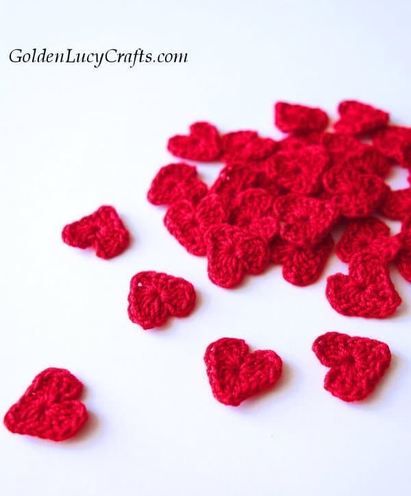 Crochet hearts, Valentine's Day appliques, Rain of Hearts