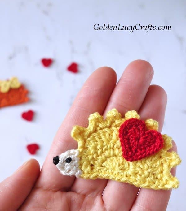 Crochet hedgehog, pattern free