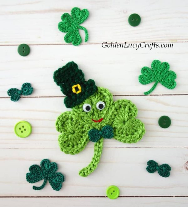 Crochet Shamrock, shamrock crochet pattern free, crochet shamrock in a hat, shamrock applique