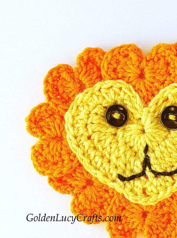 Crochet lion applique