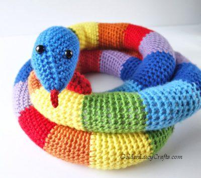 Crochet snake, crochet toy snake free pattern, amigurumi crochet snake
