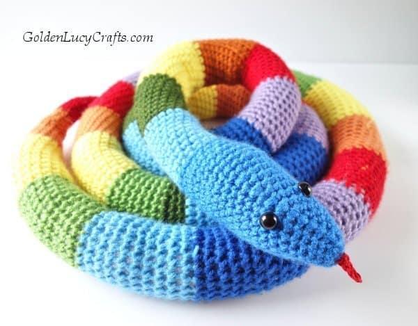 Crochet snake, crochet toy snake free pattern, amigurumi snake