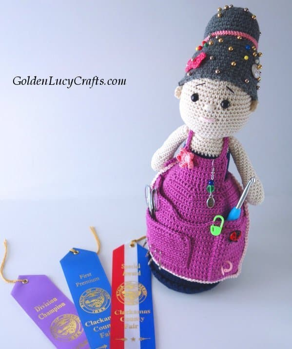Blue ribbon winning crochet designs, crafter Granny