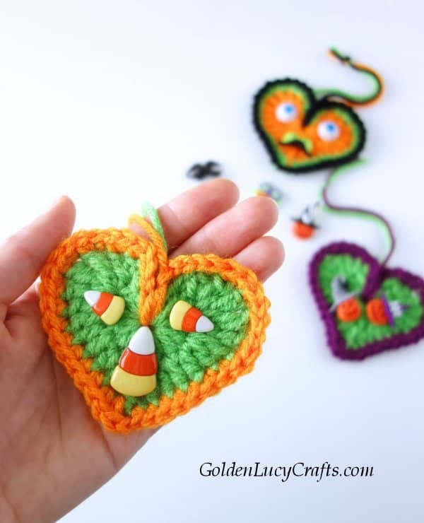 Crochet Halloween decorations, ornaments, free crochet pattern