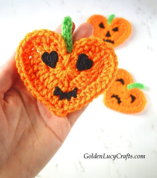 Crochet Halloween pumpkin applique, Jack-O'-Lantern, decorations