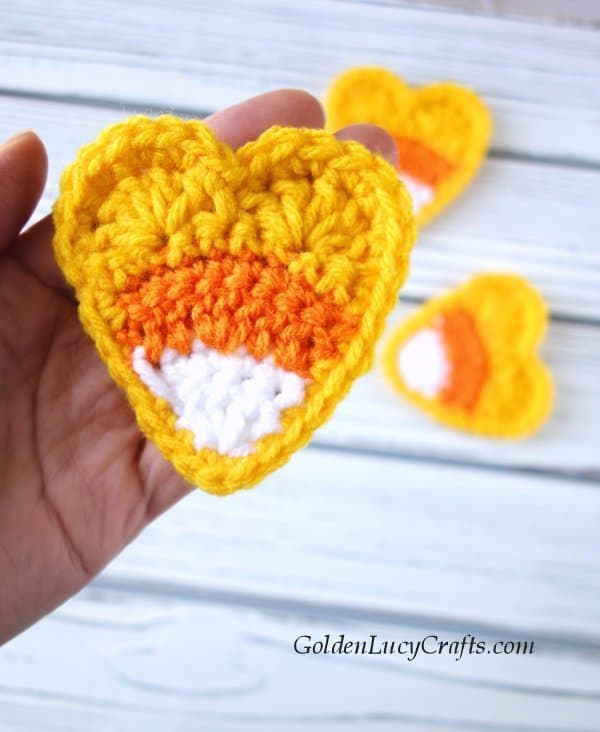 Crochet candy corn applique, heart, free crochet pattern
