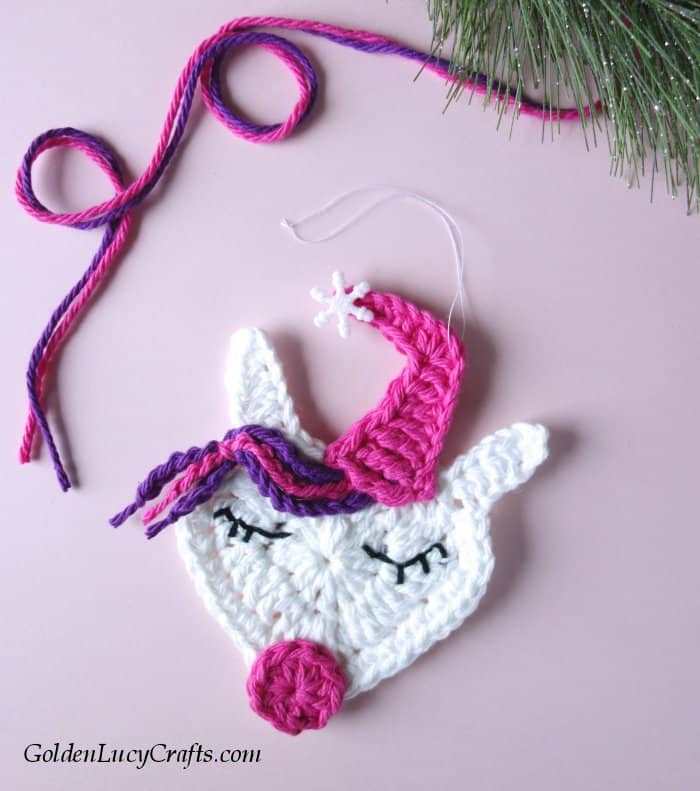 Crochet Unicorn Christmas ornament, free crochet pattern, DIY, Unicorn tree decoration idea, unicorn applique