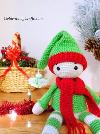 Crochet Elf on the shelf.