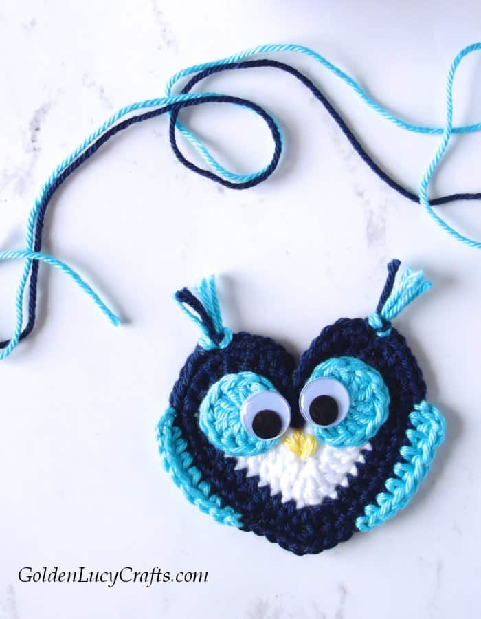 Crochet Owl applique, free crochet pattern, heart owl, Valentine's Day, owl motif, crochet applique, crochet embellishment