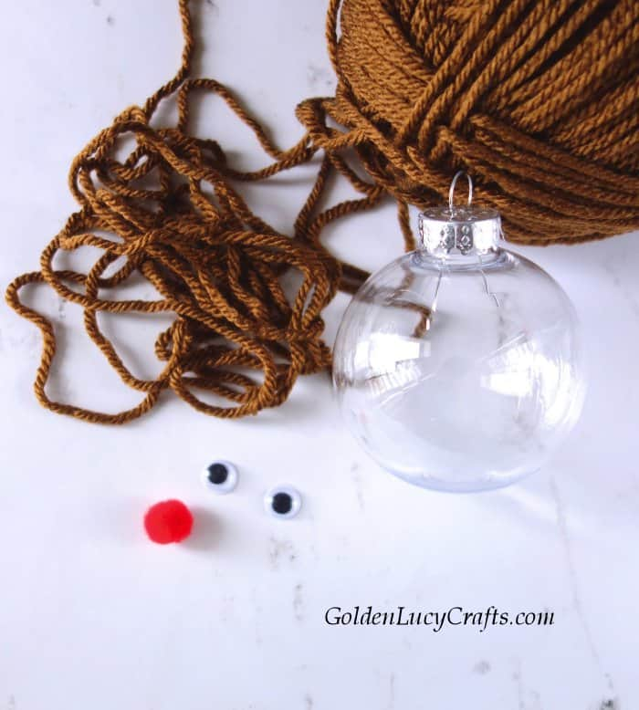 DIY clear ball Christmas ornaments idea, yarn-filled ornaments