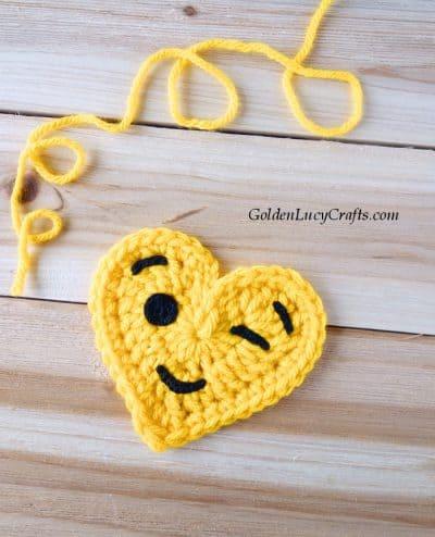 Crochet emoji winking face, heart-shaped emoji, free crochet pattern