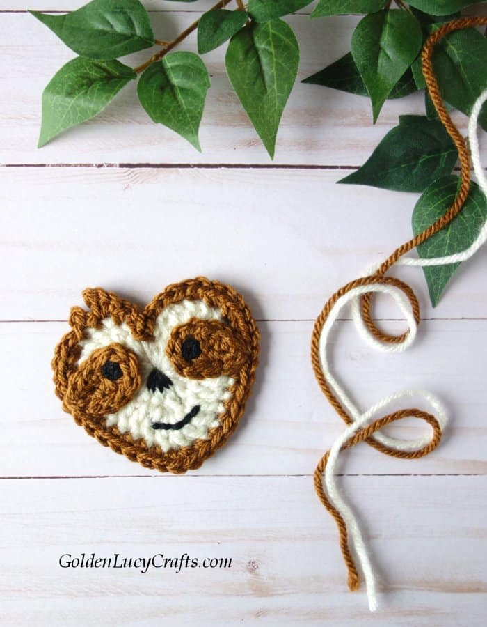 Crochet Sloth applique free crochet pattern, heart-shaped Sloth applique, Valentine's Day Sloth