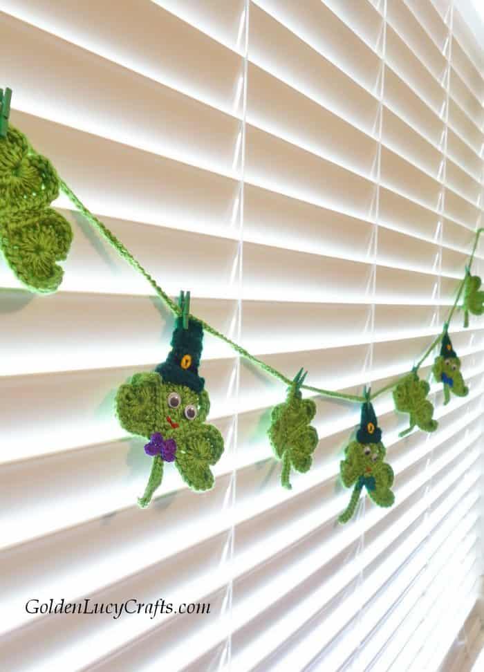 Crochet Shamrock garland pattern, DIY, St. Patrick's Day decoration
