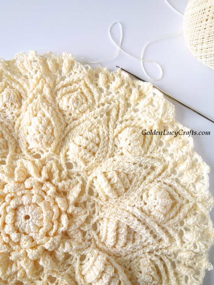 Crochet doily, picture in progress