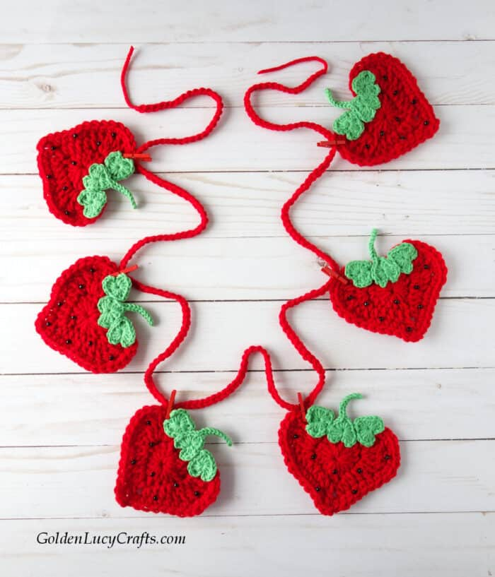 Crochet strawberry garland, bunting